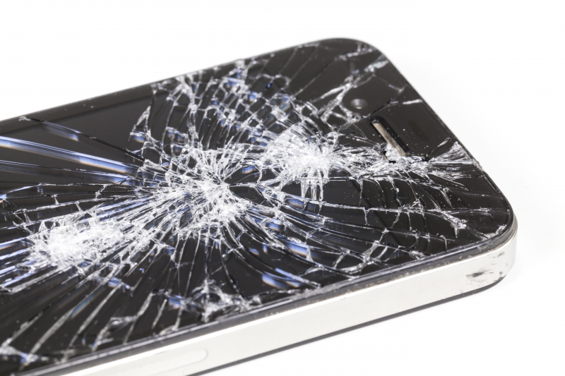 11088396-smartphone-with-seriously-broken-display-screen